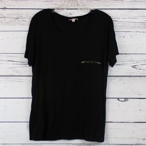 Zenana Outfitters black tee with zipper pocket A11